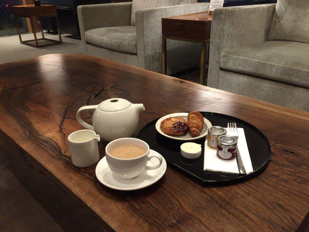 london cathay first lounge
